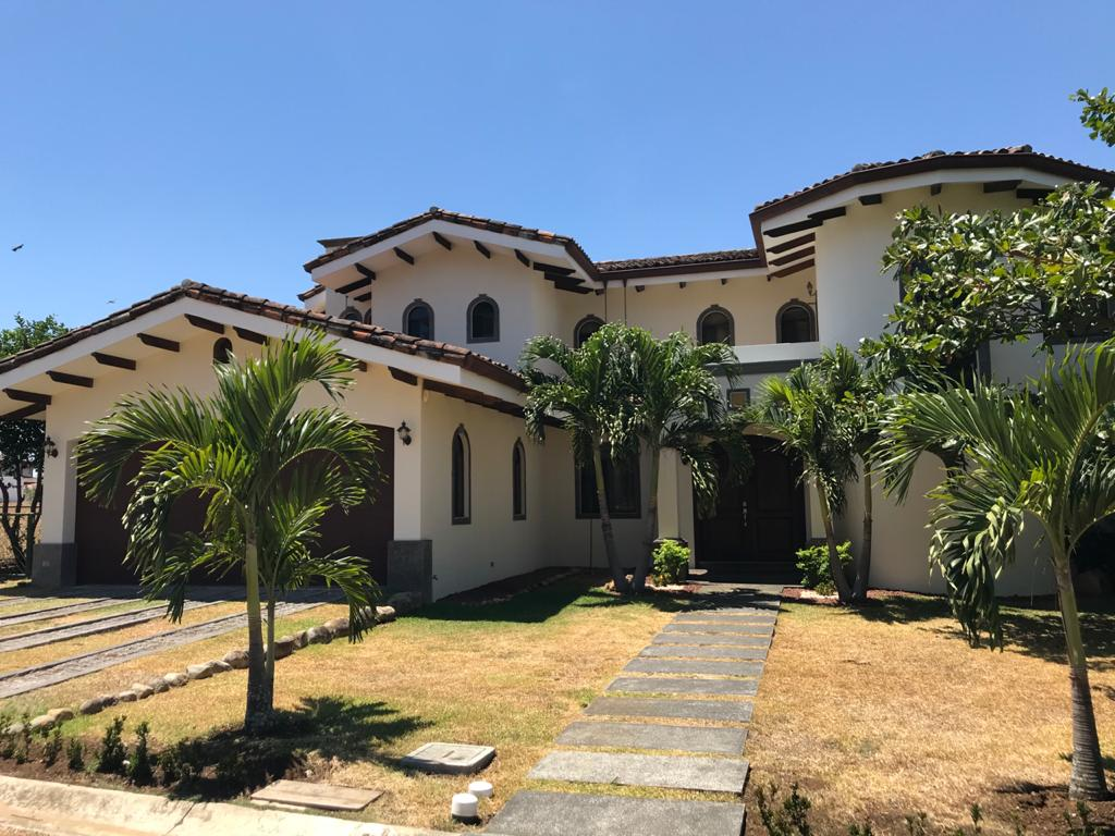 Casa Los reyes, la Guácima