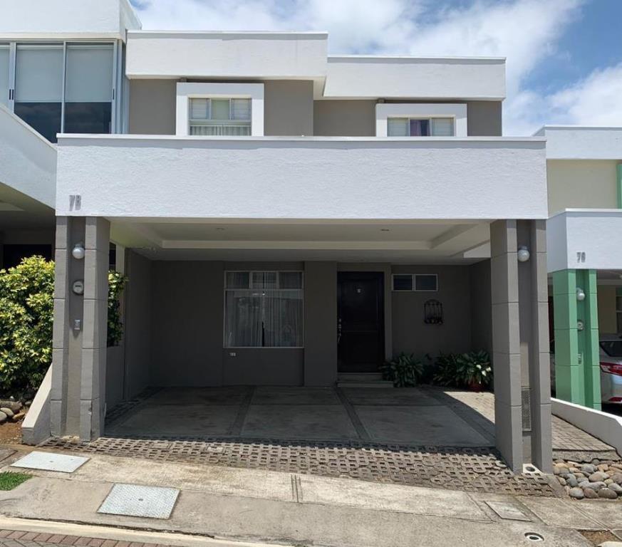 Casa en condominio interamericana