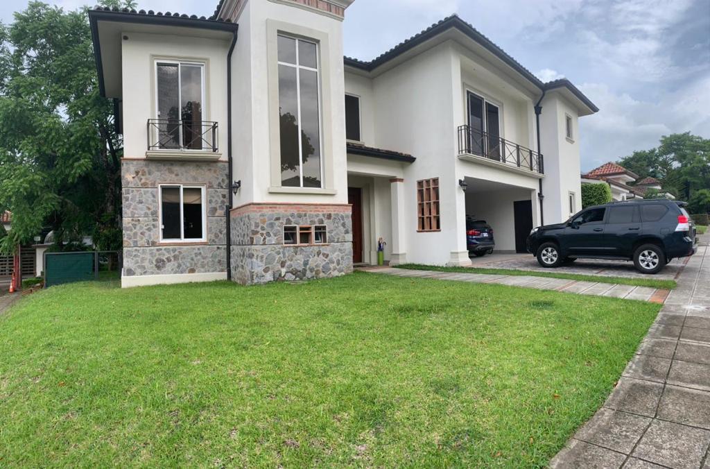Condominio Bosques Dorado Santa Ana