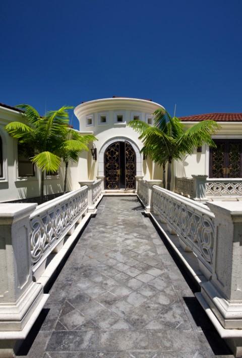 Lujosa Casa en Ciudad Colón. PRECIO REBAJADO DE $ 2,500,000 a $ 2,100,000.