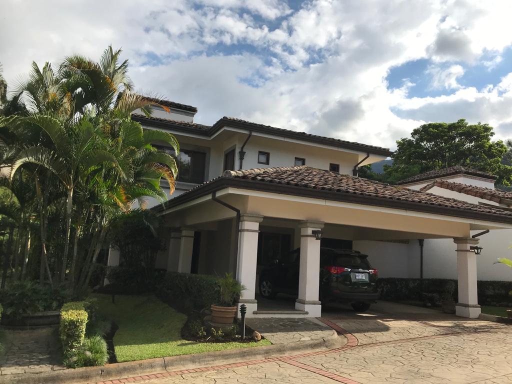 Casa en condominio ubicado en Jaboncillo, Escazú