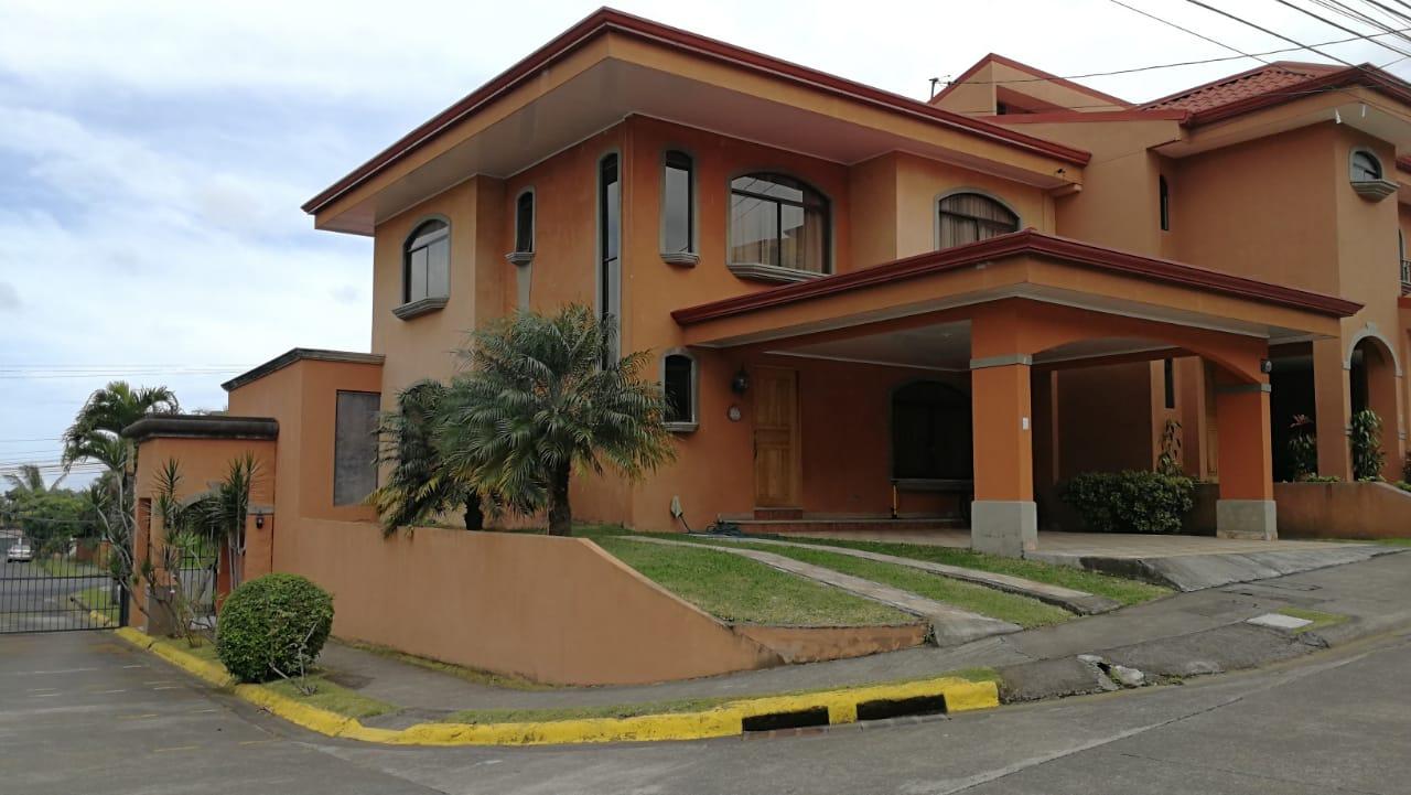 Casa en condominio ubicado en Sabanilla