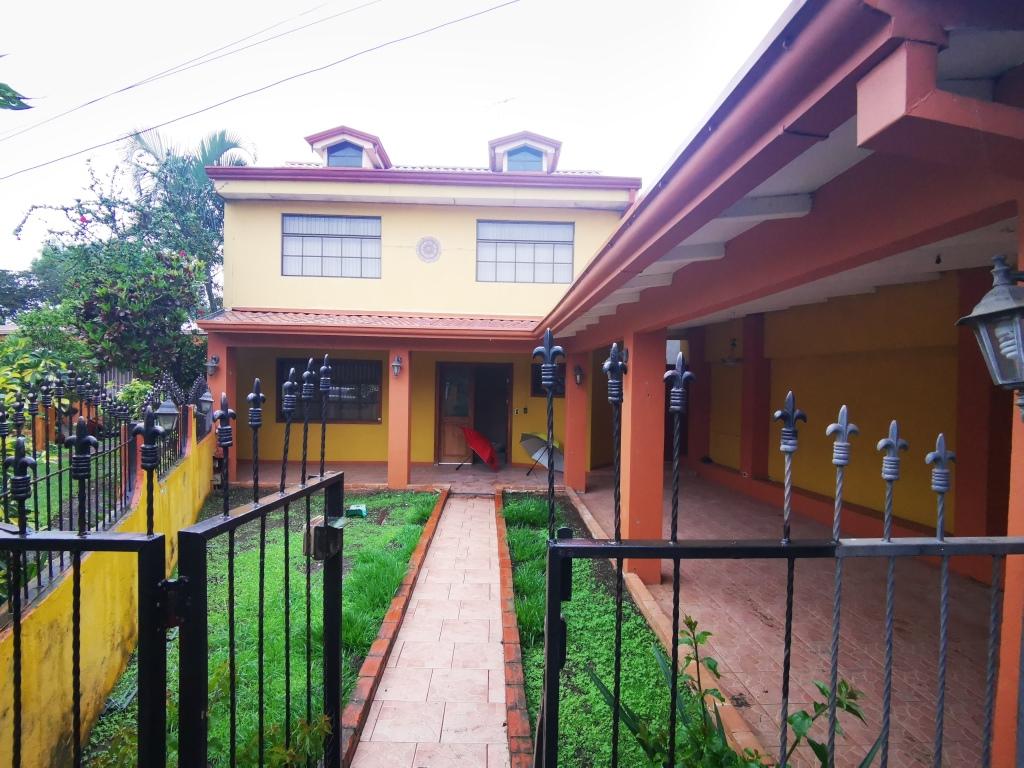 Casa en Desamparados, precio negociable!