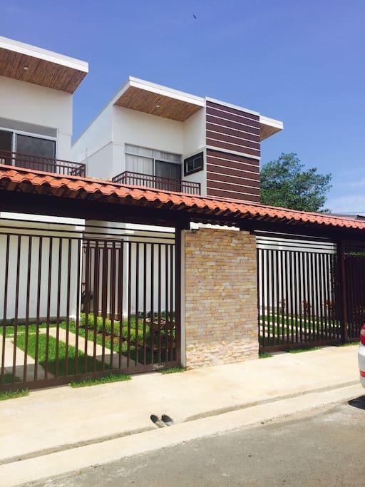 Casa en Jacó de 3 habitaciones y piscina