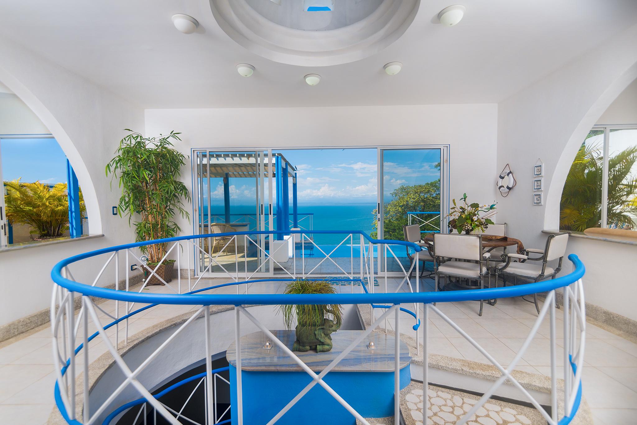 CASA ABBY, casa estilo Griego en Punta Leona. Impresionantes Vistas al Oceano Pacifico