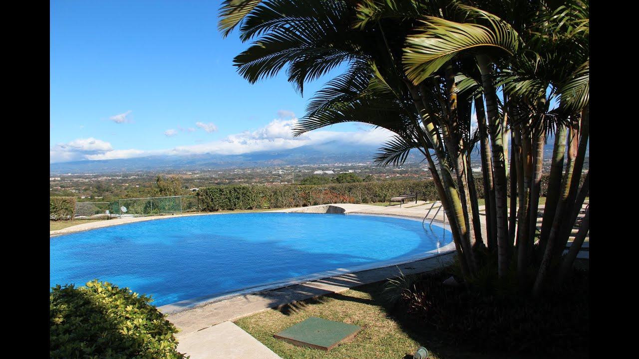Se vende apartamento en condominio Avalon Country, Santa Ana.