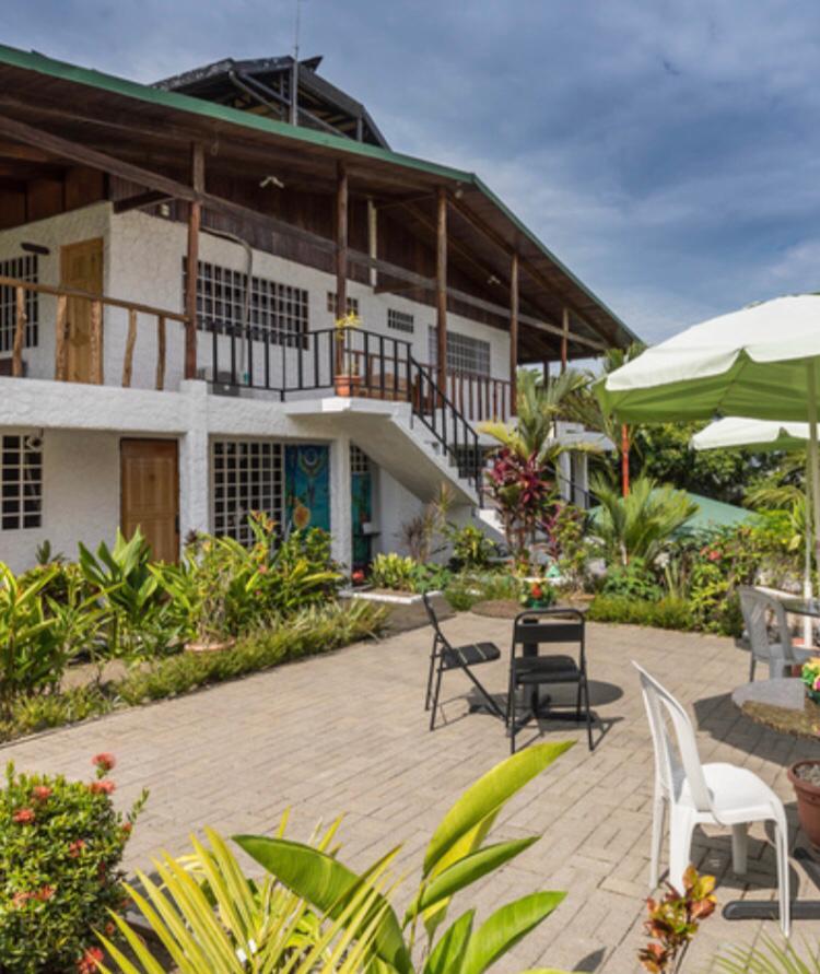 Hotel en Manuel Antonio a la venta