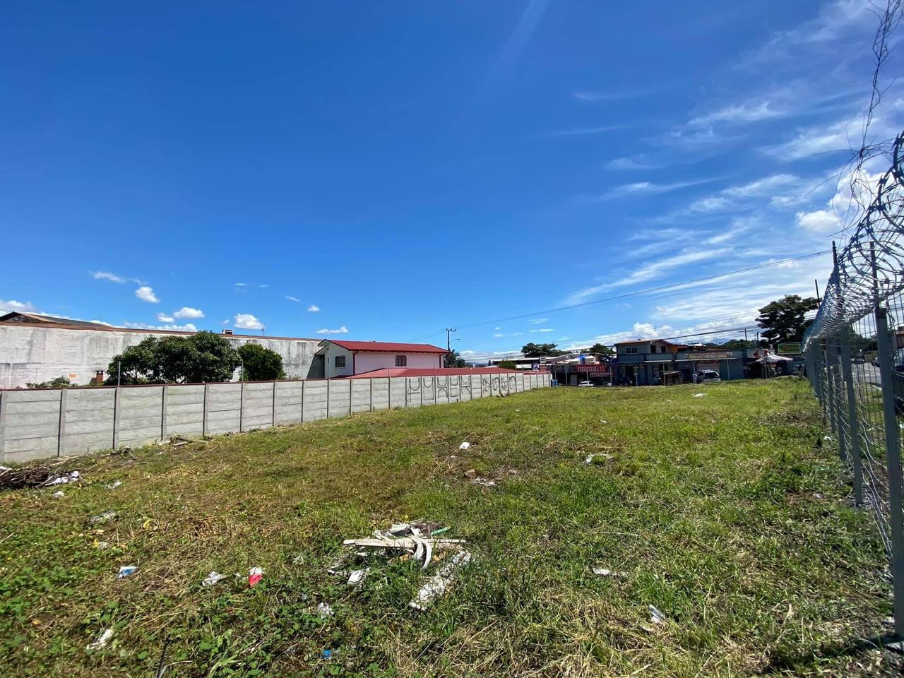 Venta de propiedad esquinera en Escazú