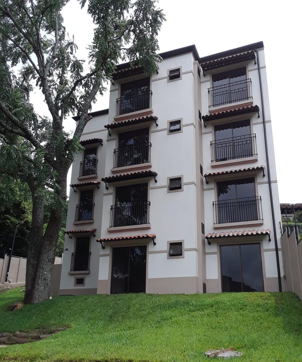 Alquiler de apartamento en hacienda paraíso, Santa Ana