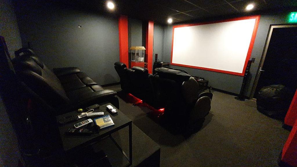 SJ-020_Sala Cine 1