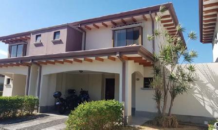 casa en venta de 3 habitaciones ubicada en Los Reyes (Guácima)