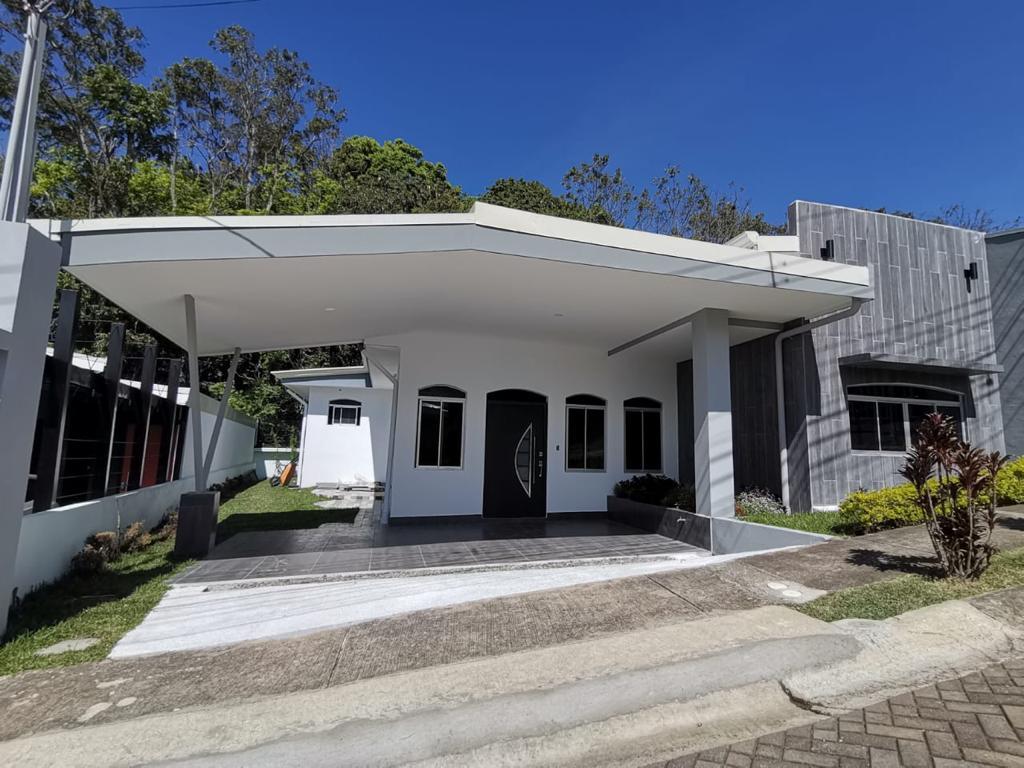 Casa nueva de una planta, Heredia.