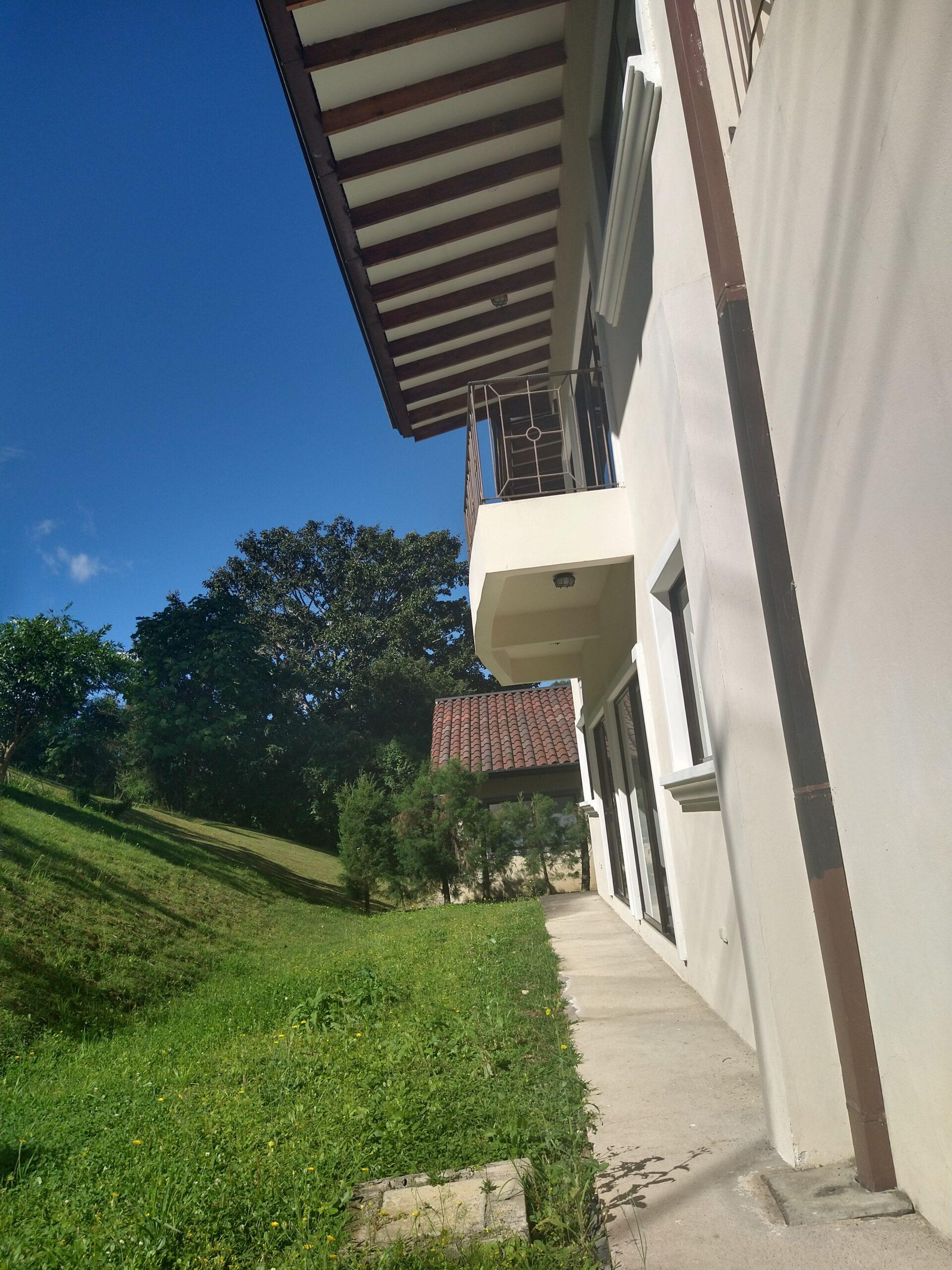 Casa en residencial seguro vive en pura naturaleza (10 min de plaza del sol)