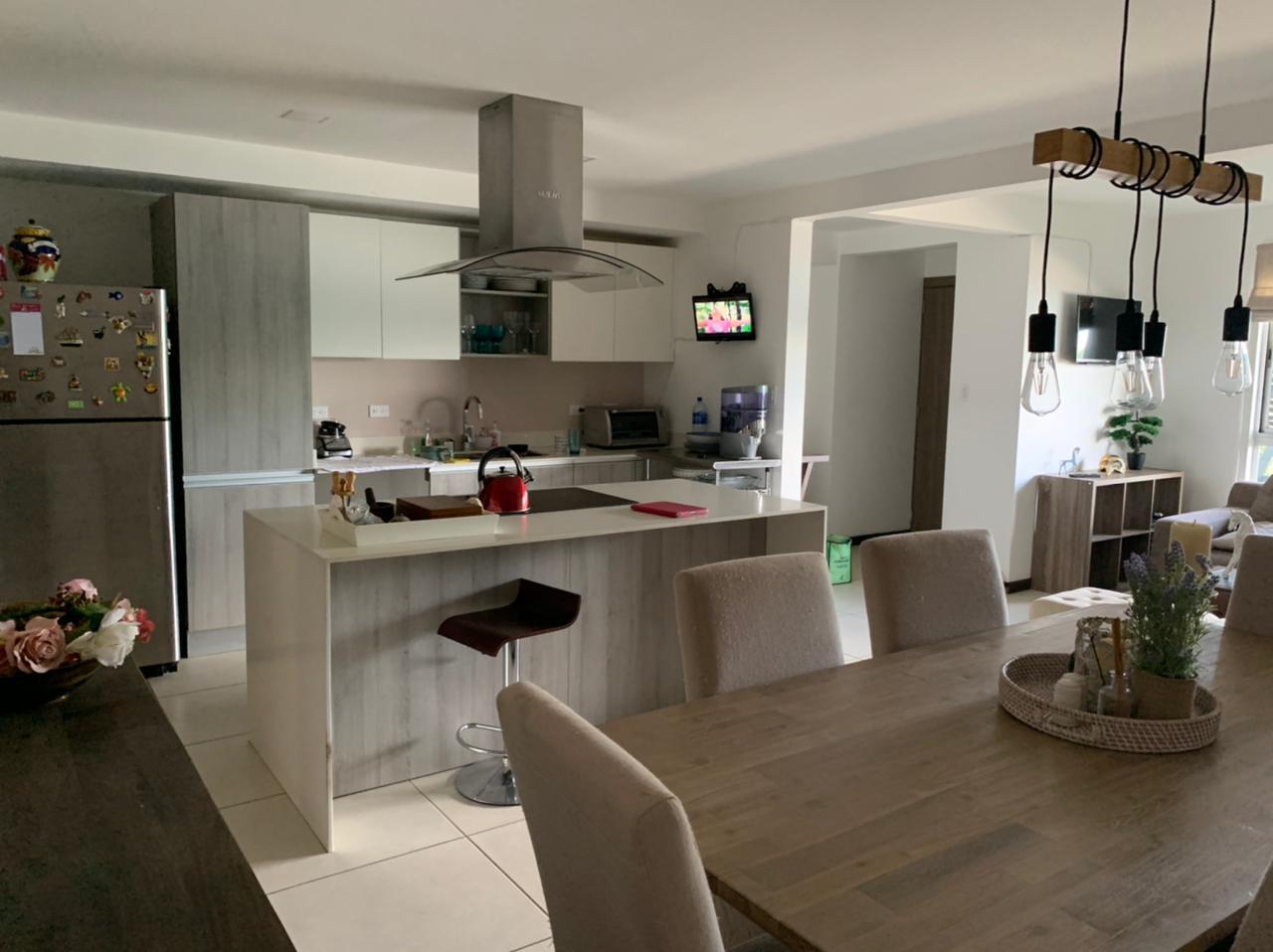 Venta de apartamento en condominio ubicado en Escazú