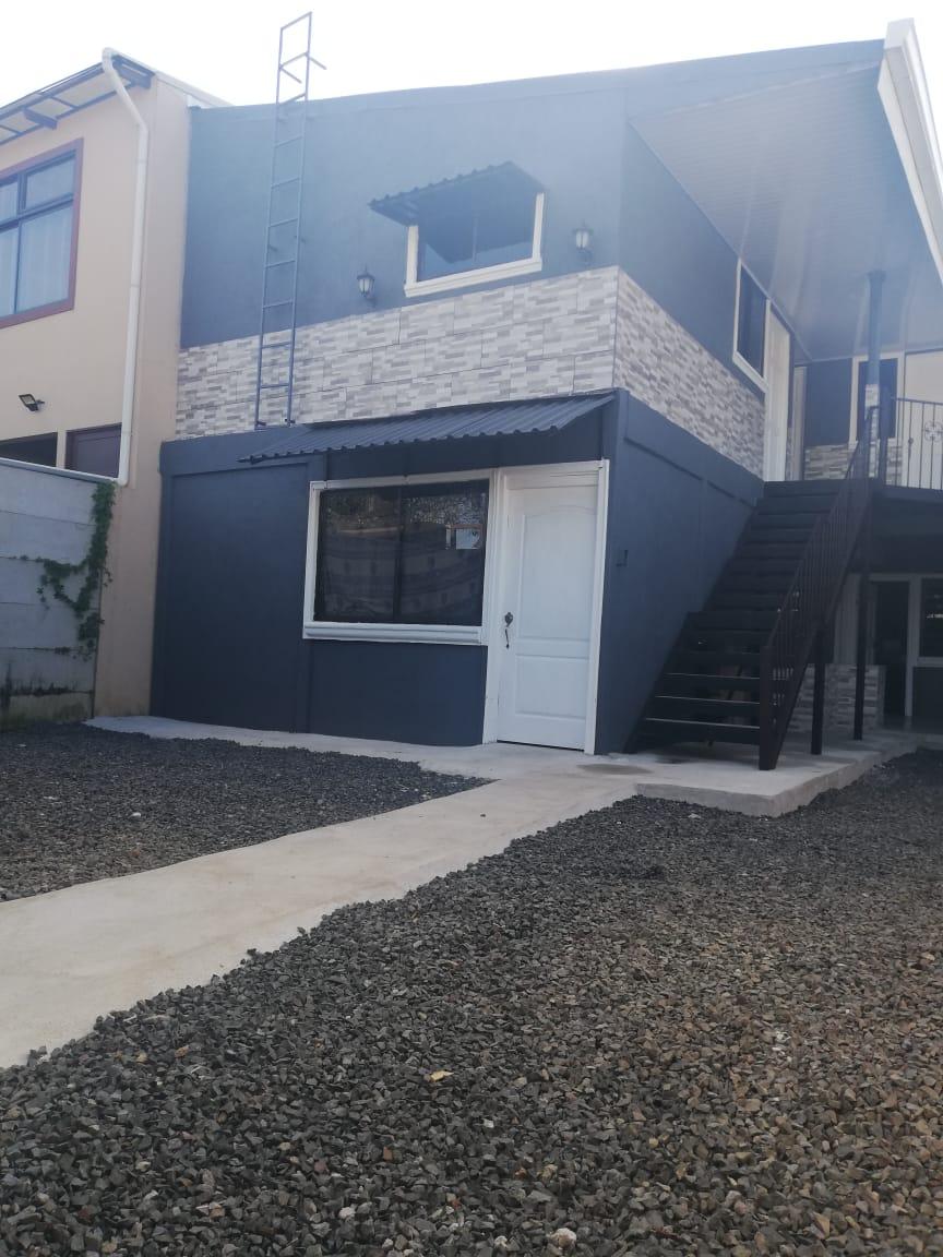 Venta de propiedad con 6 apartamentos ubicado en Desamparados. Gran oportunidad para inversión