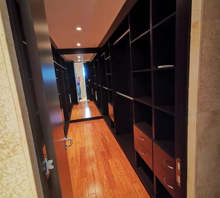 SJ-035_Walk-in Closet 2