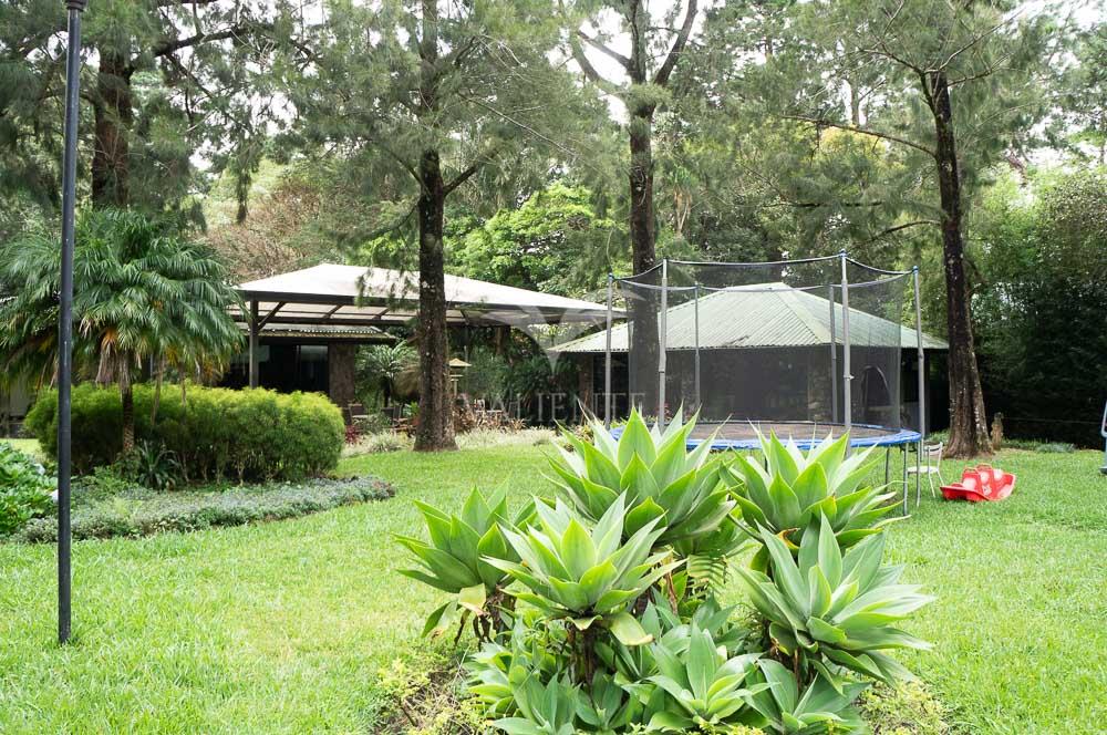 Casa independiente de montaña en Heredia.