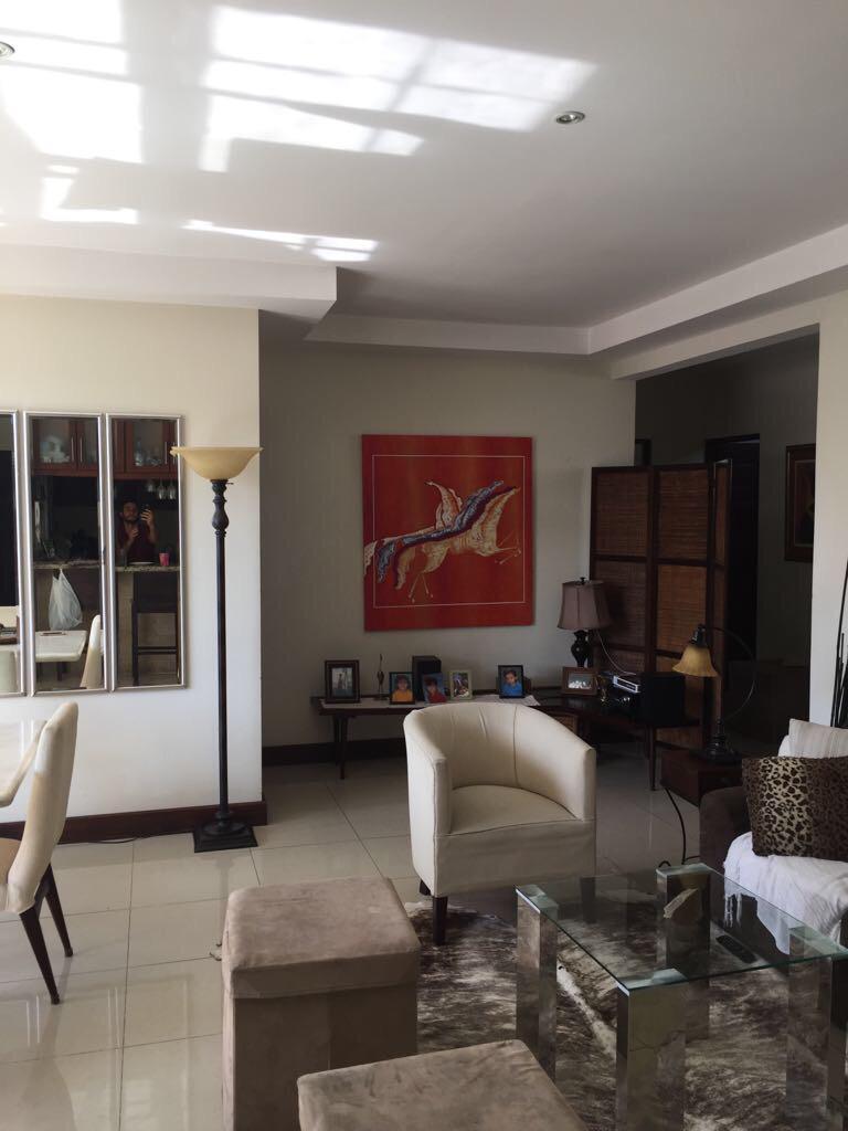 Venta de apartamento en Pinares Curridabat de 3 habitaciones