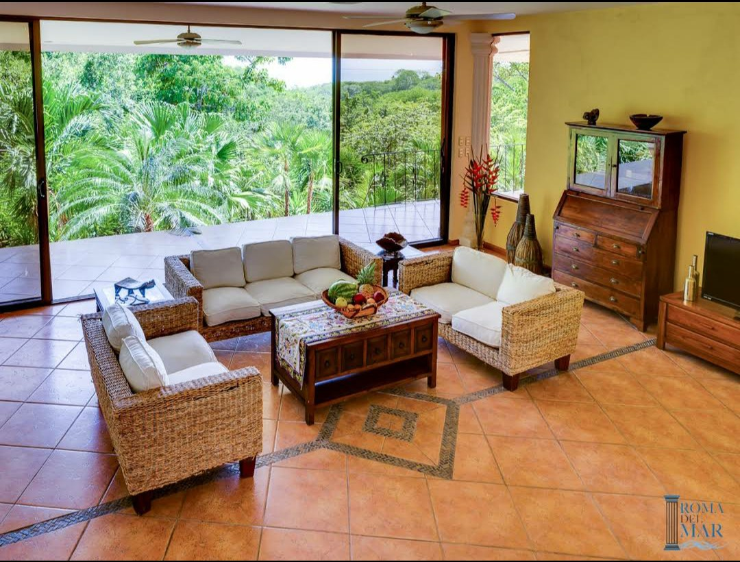 Venta de villa de playa ubicada en Paquera. Negociable