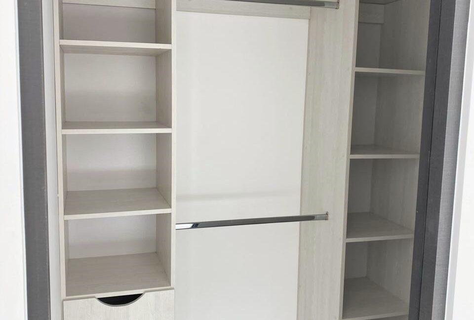 SJA-007_Closet 1