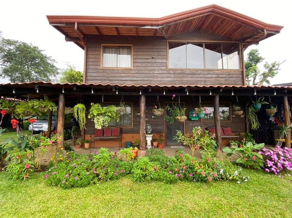 Venta de cabaña ubicada en Fraijanes de Alajuela