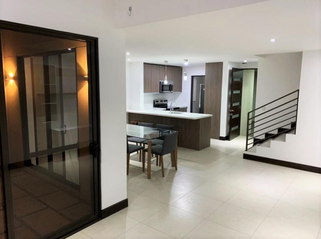 Casa de 3 Habitaciones en Condominio en Escazú