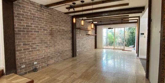 Casa de 3 niveles con Azotea en Escazú | Remodelada Recientemente