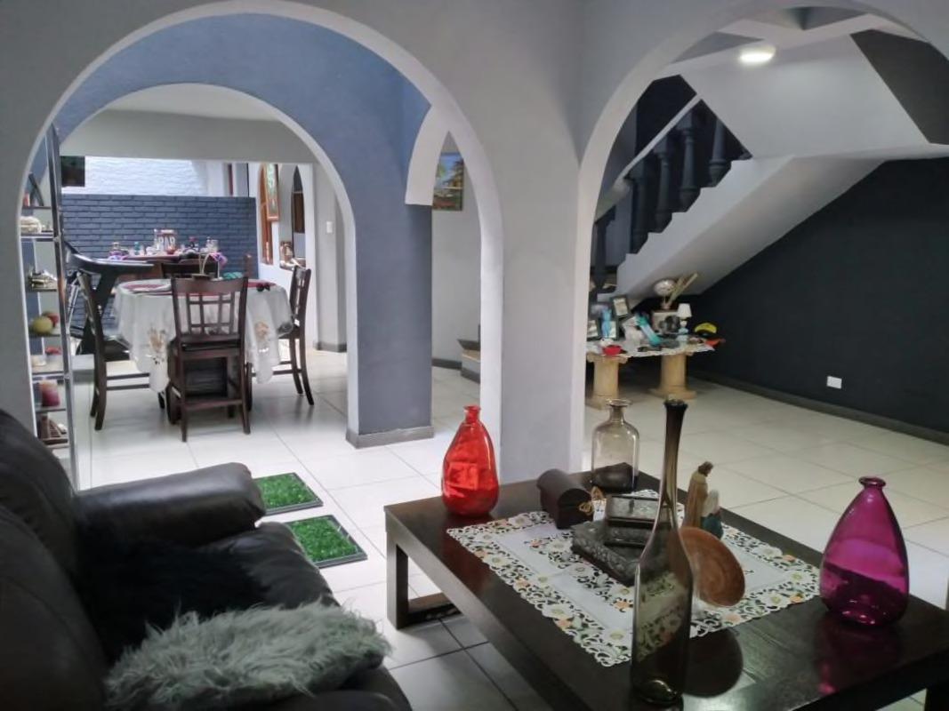 Venta de apartamento de 4 recamaras ubicado en Trejos Montealegre