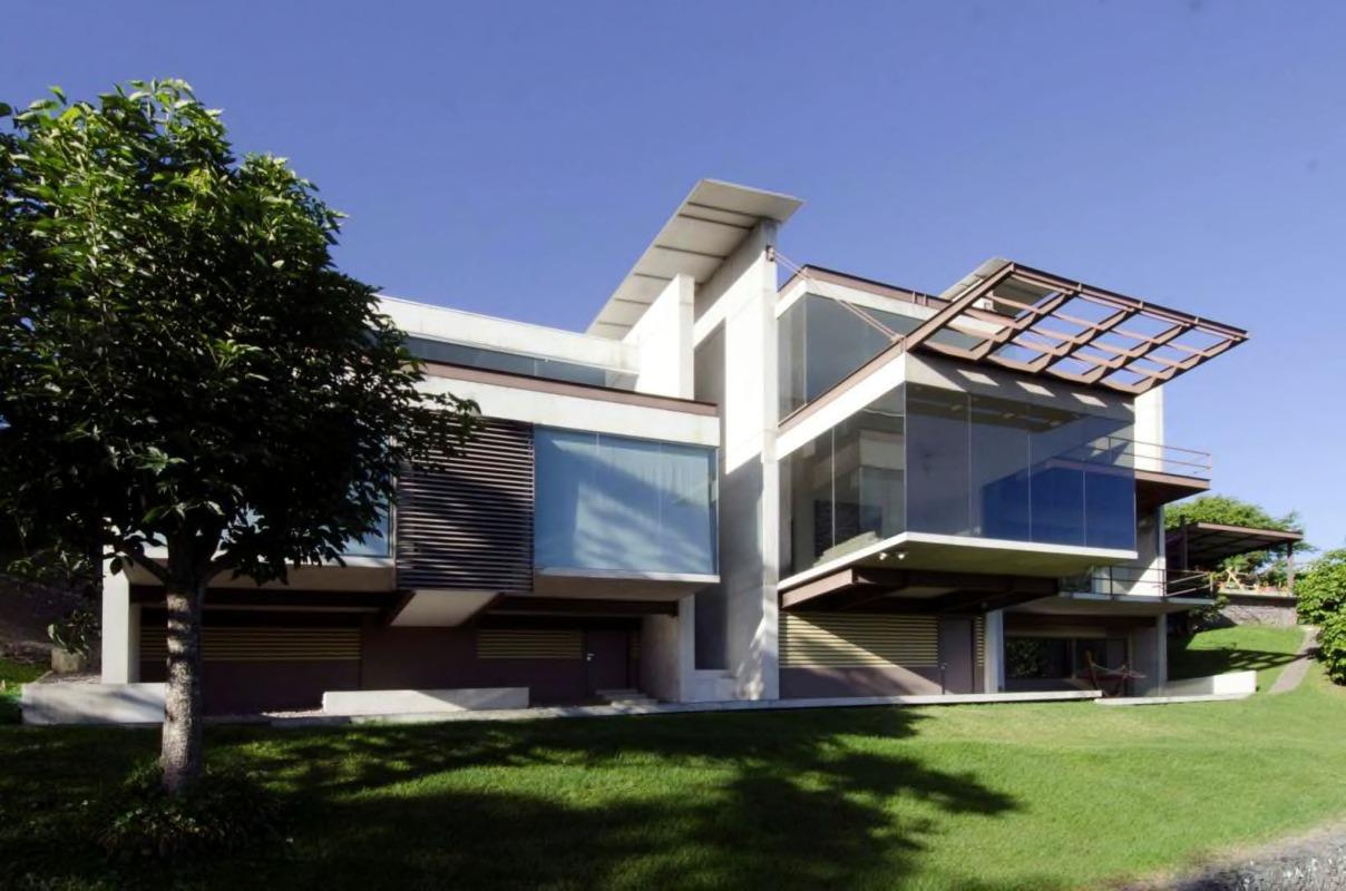 Venta de Casa con espectacular vista en San Antonio de Escazú